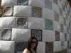 Mosaik im Park Güell und Alice davor ;)