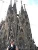 Alice vor der Sagrada Familia