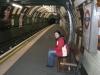 Alice in der U-Bahn-Station