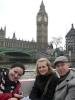 Alice, Jul und Georg bei der Bootsfahrt auf der Themse