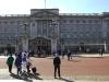 Ich vor dem Buckingham Palace