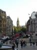 Trafalgar Square mit Big Ben im Hintergrund