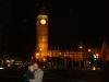 Jul und Georg vorm Big Ben bei Nacht