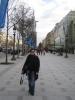 Alice auf der Champs-Élysées