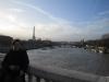 Blick auf die Seine uns den Eiffelturm